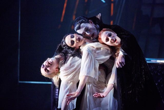 Tobias-Batley-as-Dracula-and-Jessica-Morgan-Hannah-Bateman-and-Antoinette-Brooks-Daw-as-the-Brides-of-Dracula-in-Northern-Ballets-Dracula.-Photo-Justin-Slee.jpg